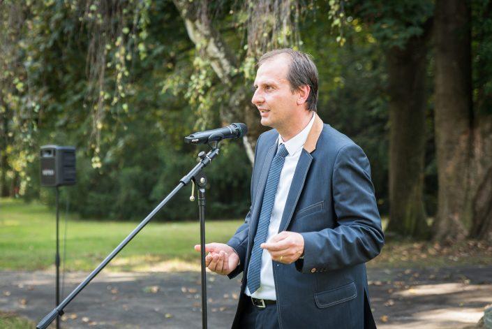 Martin Krčma hovořící k publiku, Foto: Jakub Šnajdr